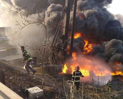 Worker killed at Pertamina pipeline fire
