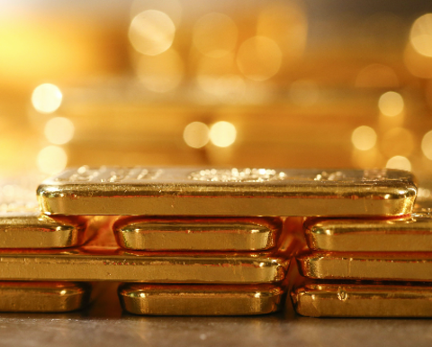 Gold hits $1700 over oil, virus