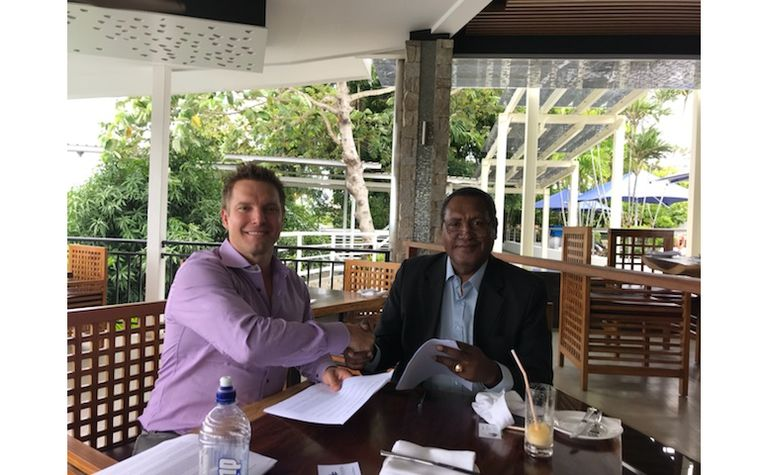 Mayur, Gulf in minerals-energy deal