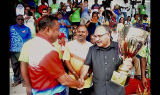 Keep it up, PM urges athletes
