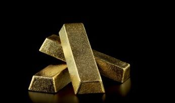 Virus drives gold to 7-year high