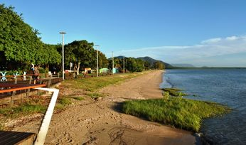 Moresby-Cairns day trips on Fridays