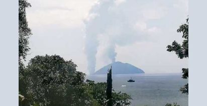 Another PNG volcano evacuation
